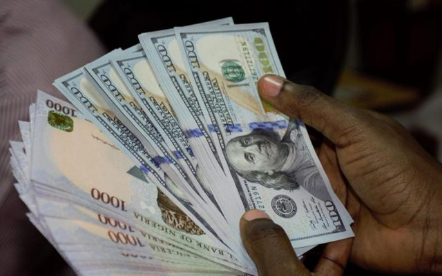 Naira drops to 550 a dollar as EFCC warns banks about forex fraud